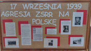 Zdjęcie przedstawia tablicę informacyjną ZSE.
